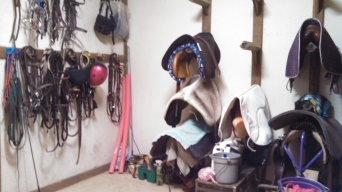 Spacious tack room